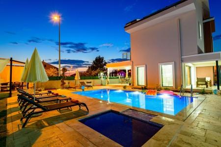 Villa Agron